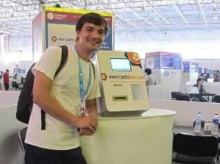 Ricardo Moraes foi primeiro a usar a máquina de bitcoins na Campus Party