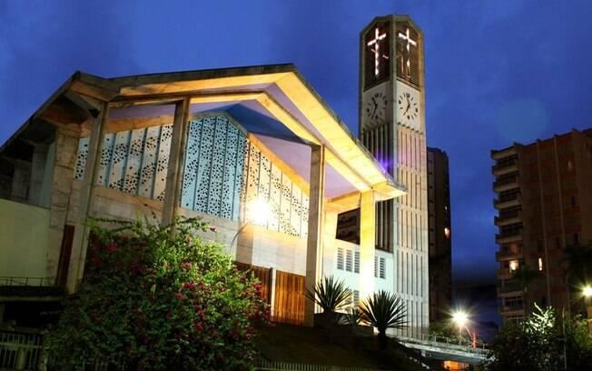 A Igreja São João Batista faz parte do turismo religioso de Olímpia