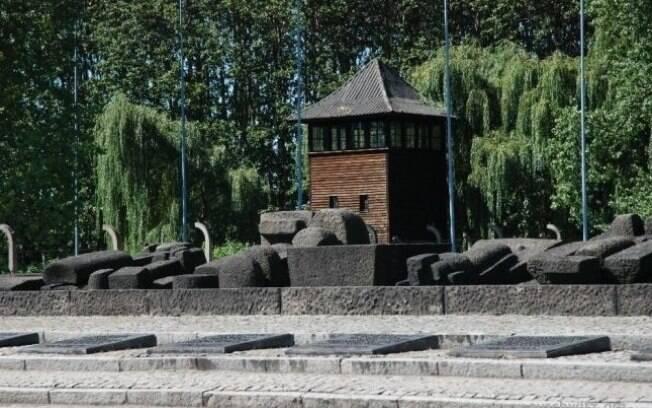 Memorial do Holocausto em Birkenau: construído ao lado de onde ficavam as câmaras de gás. Foto: Auschwitz-Birkenau Memorial and Museum