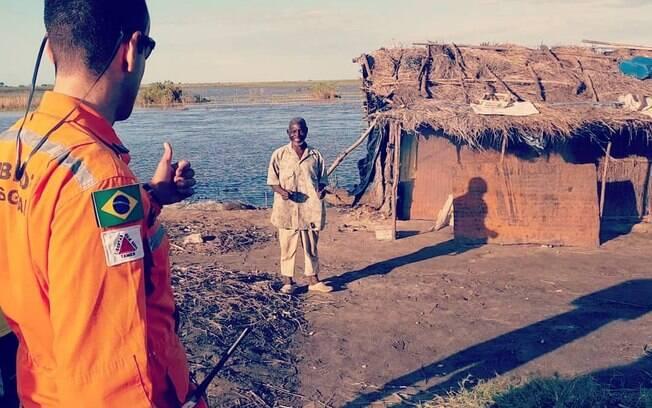 Bombeiros de Minas Gerais contam que conseguiram ajudar a evitar maiores tragédias em Moçambique