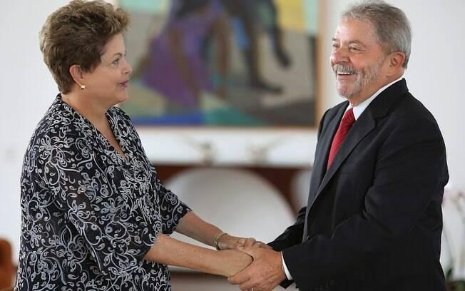 Dilma e Lula durante encontro em Brasília em 2014