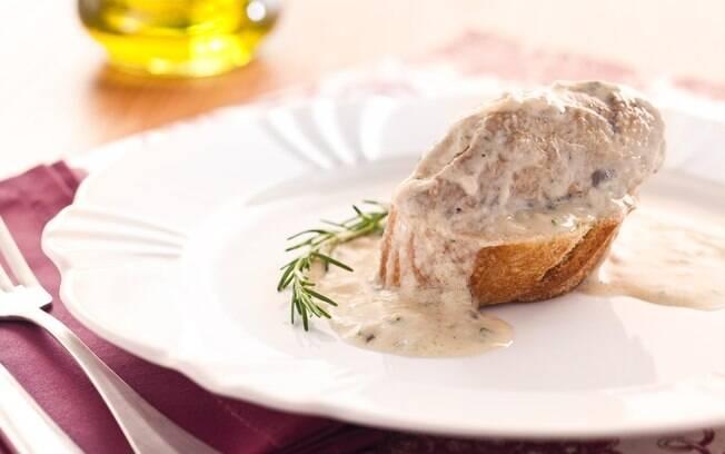 Foto da receita Guisado de frango à alentejana pronta.