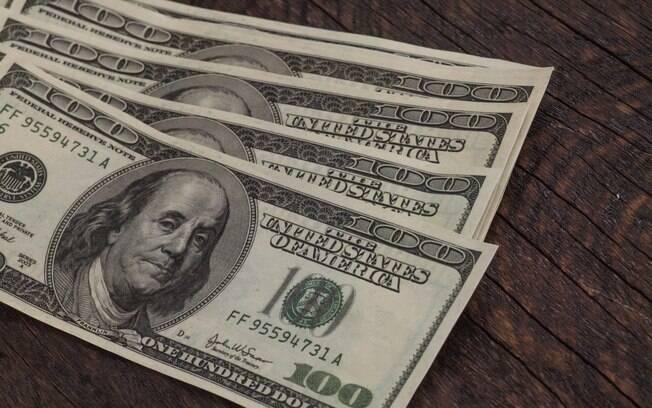 Dólar inicia a semana em alta e é cotado acima de R$ 4,13
