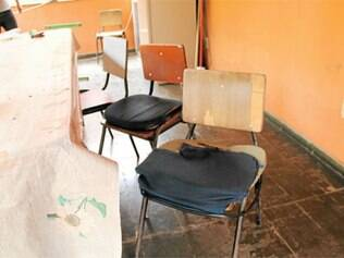 Mobiliário do conselho do Teresópolis está sucateado, prejudicando o atendimento