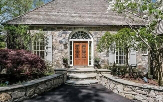 Detalhes da entrada da casa de Cyndi Lauper
