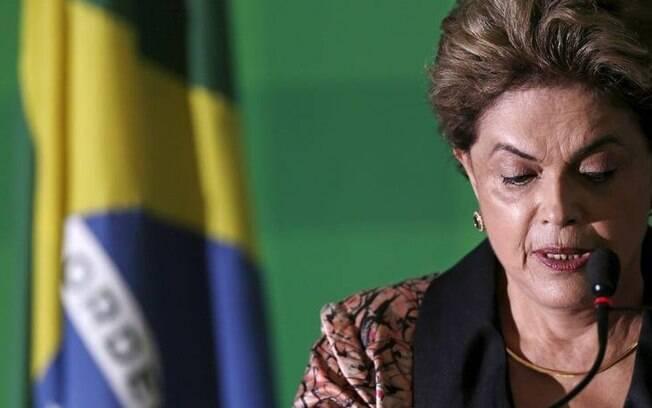 Dilma Rousseff no Palácio do Planalto: Excelentíssimos acompanha o processo de seu impeachment na Câmara dos Deputados