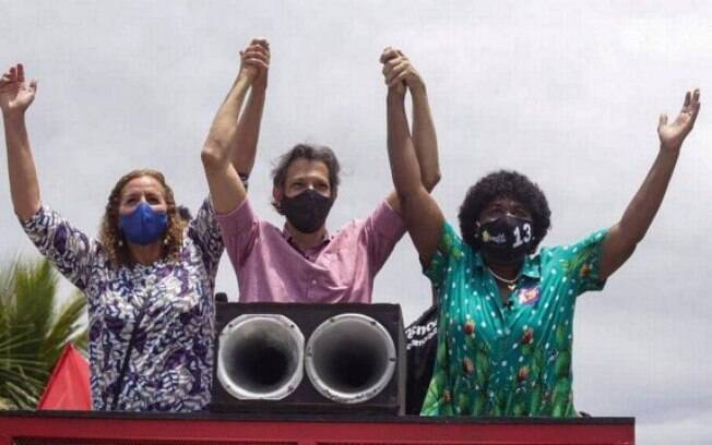 Haddad e Benedita em comício no Rio