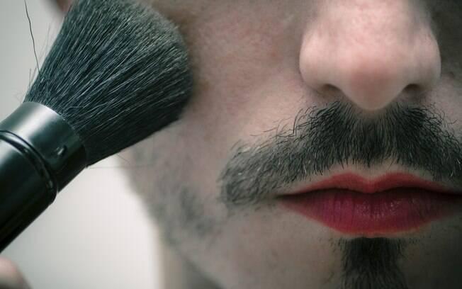 A transgeneridade continua sendo um tabu na sociedade heteronormativa