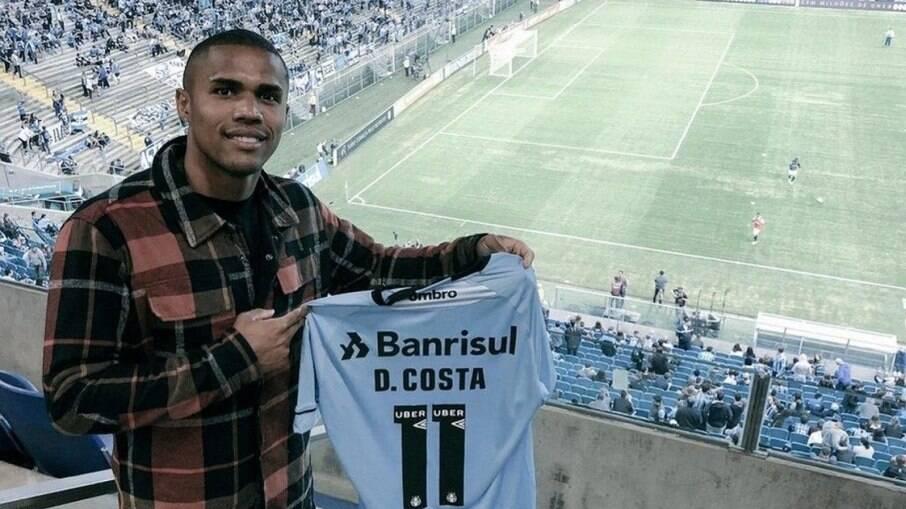 Douglas Costa está de volta ao Grêmio