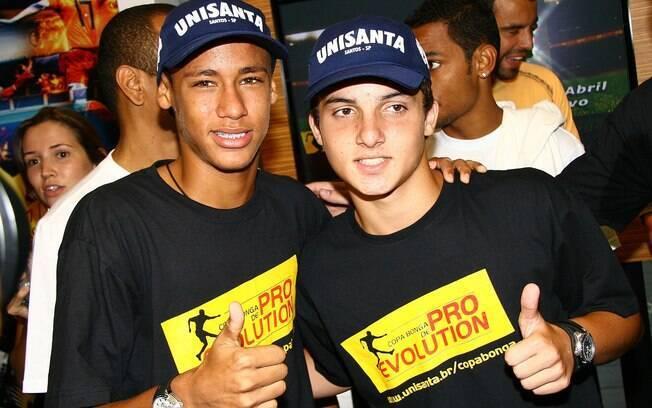 Jean Chera e Neymar, juntos, quando ainda eram crianças e jogadores do Santos