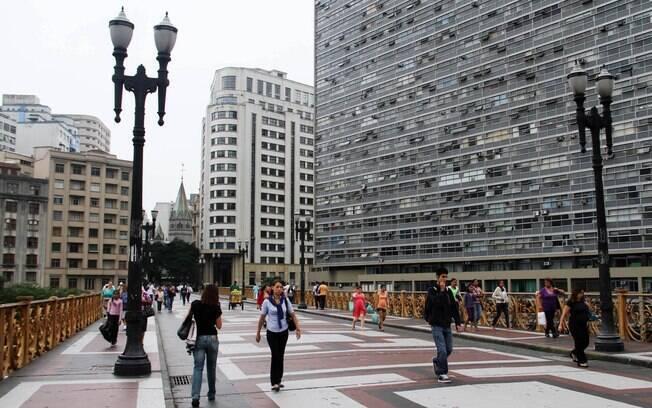 Sexta-feira nublada em São Paulo
