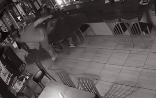 Caso aconteceu em um restaurante de Curitiba, no Paraná.