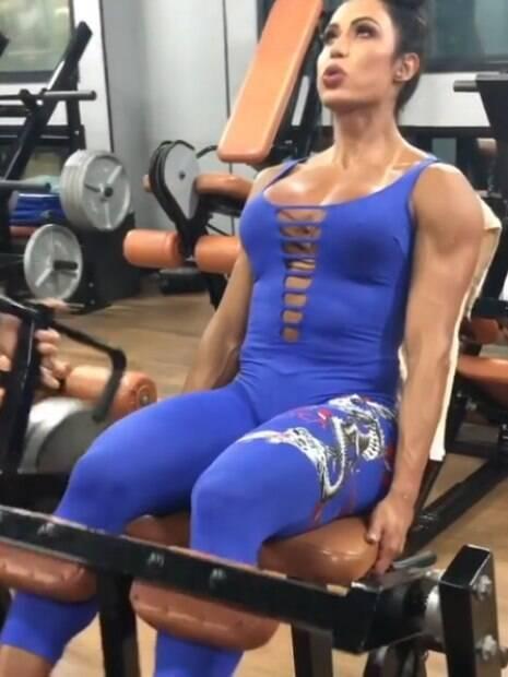 Gracyanne Barbosa compartilha registros de seus treinos no Instagram
