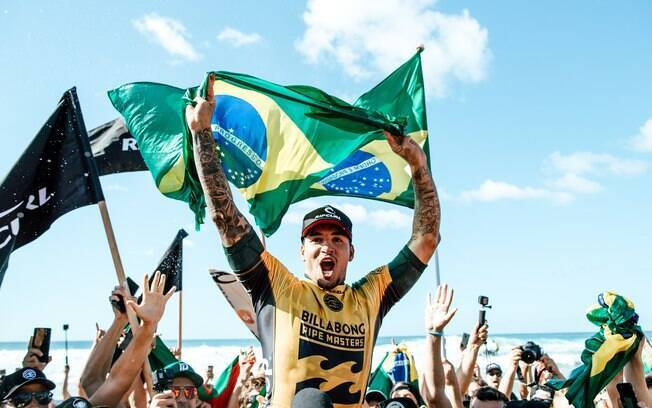Gabriel Medina foi bicampeão mundial de surfe em 2018 e tentará o tri em temporada marcada por mudanças