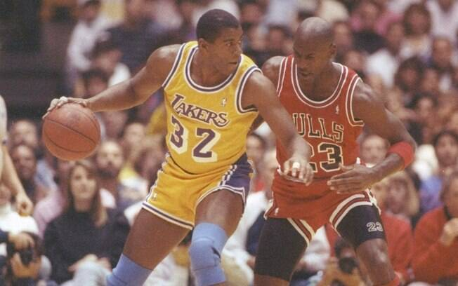 Em 1991, Jordan superou Magic Johnson na  final contra o Los Angeles Lakers e conduziu o  Bulls ao primeiro título