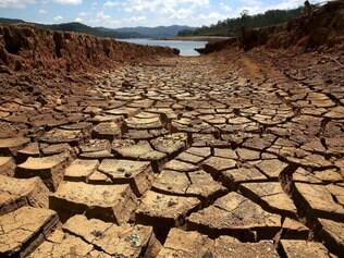 Estiagem afeta a Represa do Rio Atibainha,  na cidade de Nazaré Paulista, no interior de   São Paulo Foto: LUIS MOURA/ESTADÃO CONTEÚDO
