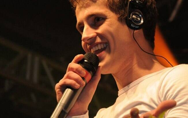 Ênio, de 28 anos, morreu após sofrer uma descarga elétrica durante show no Clube Gaúcho