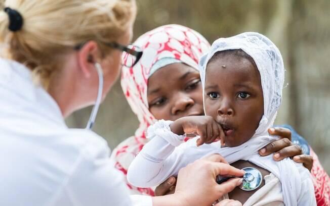 OMS enviou 50 equipes de saúde ao Congo para tentar conter o surto do vírus Ebola