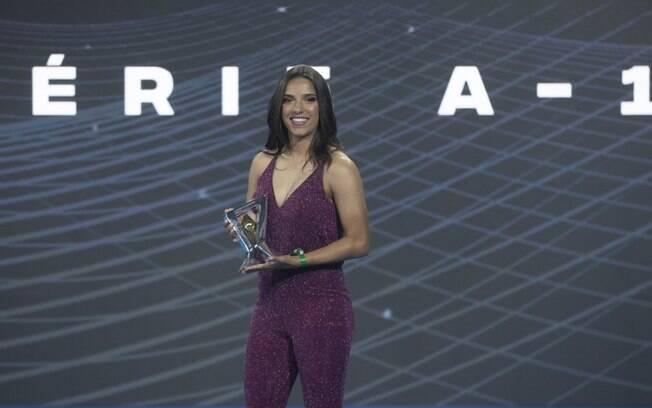 Millene foi eleita a melhor atacante do Brasileirão