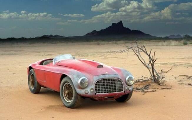 Esta jóia foi pilotada por Juan Manuel Fangio. Ficou anos jogada no deserto até ser vendida no estado que se encontrava por US$ 1 milhão