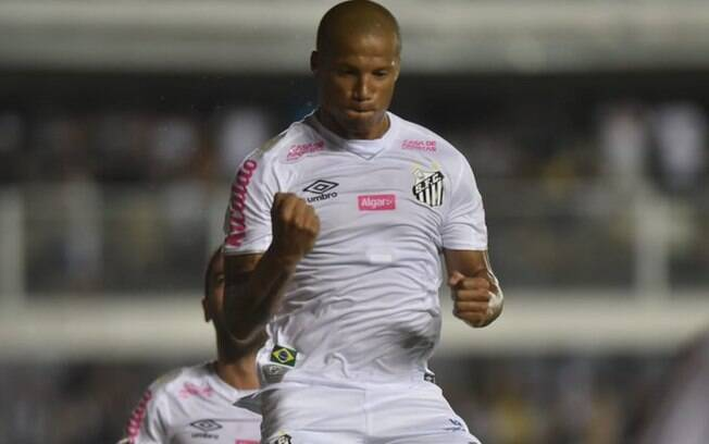 Sanchez comemora gol do Santos