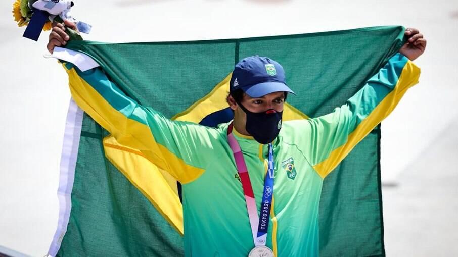 Kelvin Hoefler conquistou a prata para o Brasil no skate street