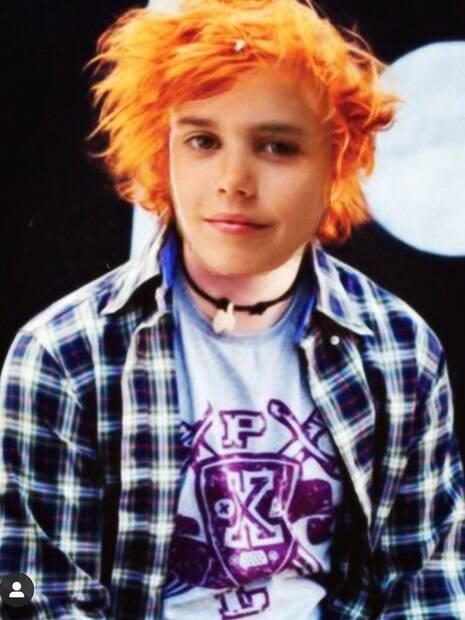 Ed Sheeran faz montagem com rosto de Justin e pede que o público