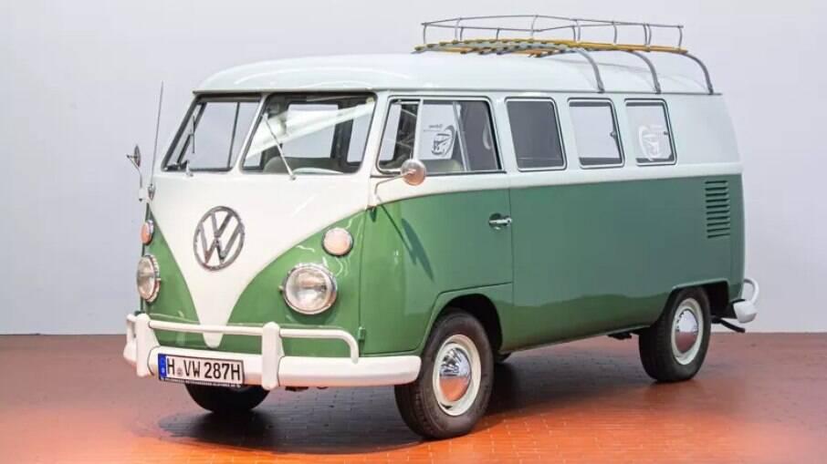 Uma das Kombi históricas oferecidas para rodar pela Volkswagen na Alemanha