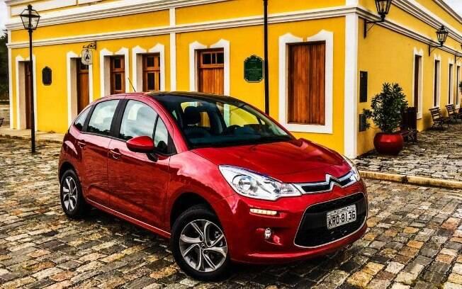 Finalizamos a lista dos seminovos automáticos com o sofisticado Citroën C3, que parte de R$ 39 mil nos classificados