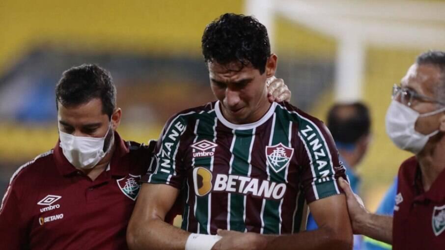 Ganso, do Fluminense, é operado