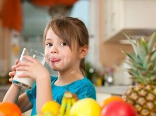 Formação dos dentes de leite se dá durante a fase intrauterina e dos permanentes ocorre ao longo dos primeiros anos de vida