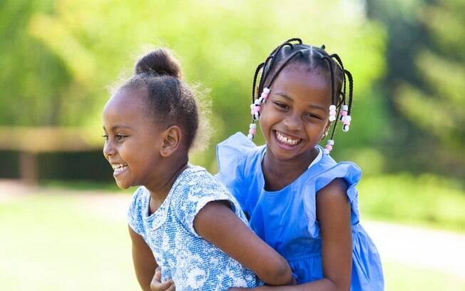 Resultado de imagem para crianças negras