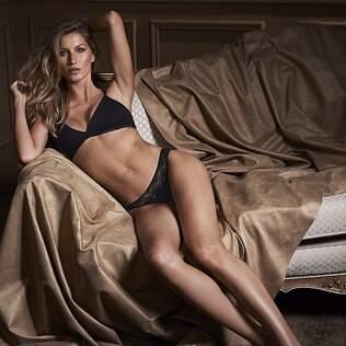 Gisele Bünchen posa de lingerie e mostra corpo em forma