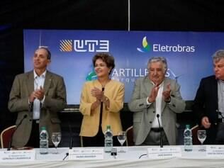 Dilma e Mujica, no Uruguai, onde inauguraram o parque eólico, feito em parceria entre Eletrobras e UTE.