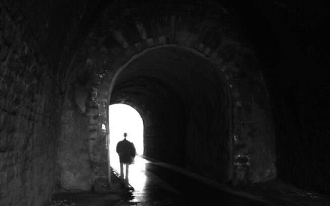 Luz branca intensa é uma das características comuns em episódios de experiências de quase morte
