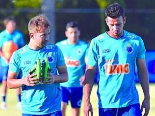 Objetivo. Elenco tem jogadores experientes como o volante Henrique e o meia Éverton Ribeiro para alcançar feito de títulos importantes