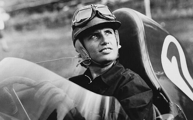 Maria Teresa de Filippis na Maserati, em 1958, uma das poucas mulheres na F1