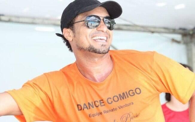 Renato Ventura dá aulas de dança para idosos de forma gratuita