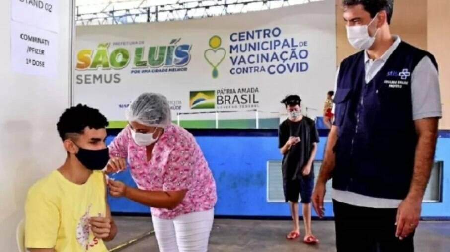 São Luís é a primeira capital a vacinar adolescentes