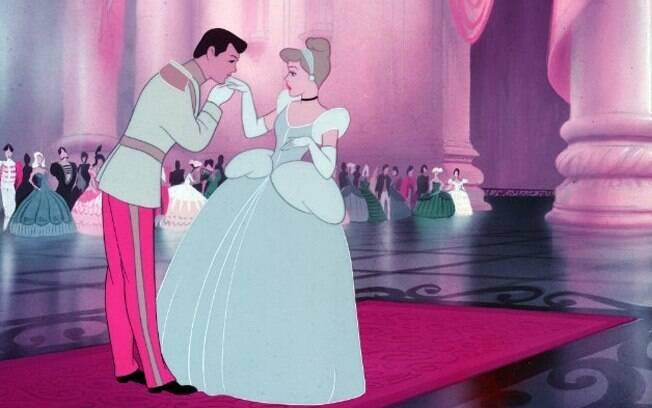 Cinderela é a princesa 'clássica', passiva, sempre à espera de outras pessoas para resolver os seus problemas