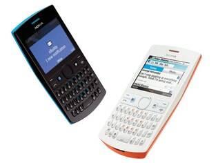 Nokia Asha 205 possui botão dedicado ao Facebook
