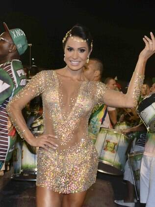 Gracyanne Barbosa entra na avenida esta sábado (14) pela X-9 Paulistana