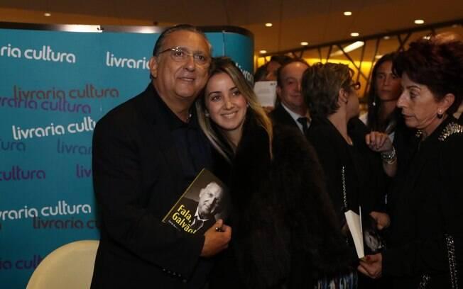 Galvão Bueno lança livro de memórias em São Paulo