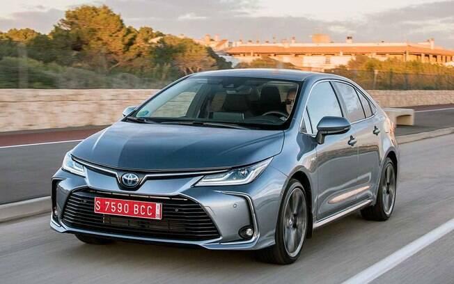 O Corolla será o primeiro carro do mundo que terá a tecnologia híbrida flex podendo usar gasolina ou etanol
