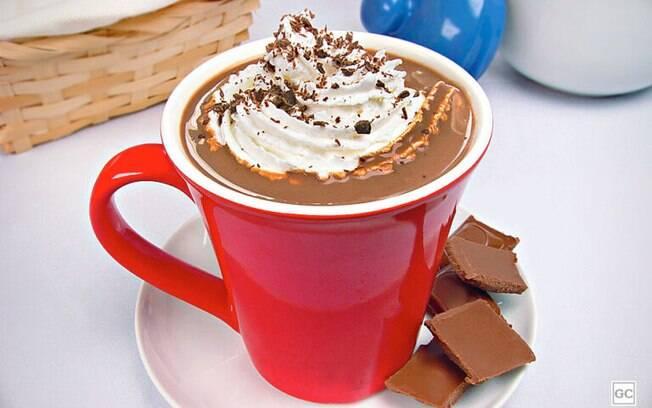 Receitas rápidas de chocolate quente para dias frios