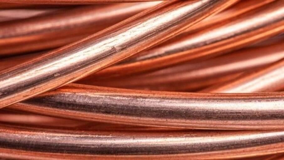 O cobre é um metal utilizado amplamente na indústria tecnológica