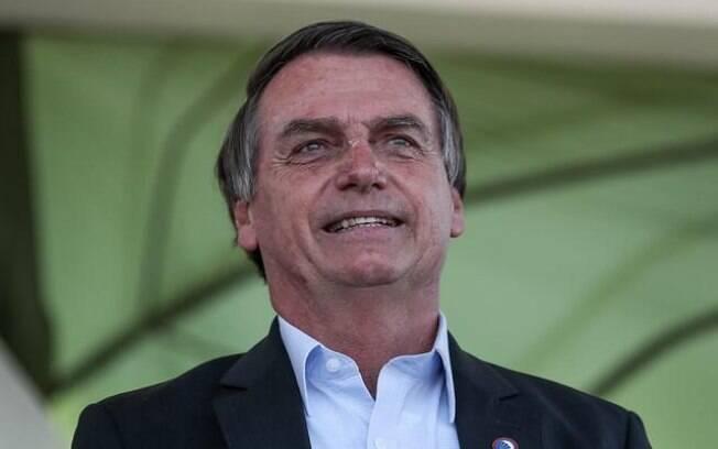 Auxílio emergencial: Bolsonaro diz que pode prorrogar até dezembro