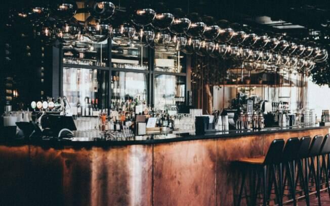 Restaurantes e bares de Santos são liberados para funcionamento até início da madrugada