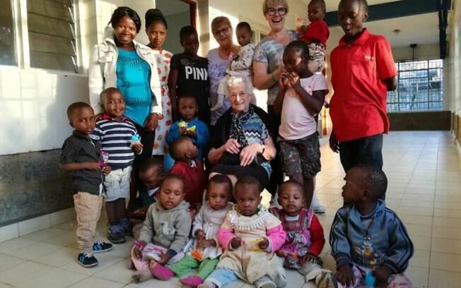 Em um orfanato de crianças, dona Irma passará de três a quatro semanas fazendo o mochilão