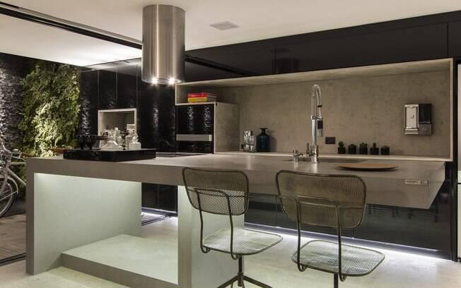 que define o formato desta cozinha corredor é apenas a bancada, com